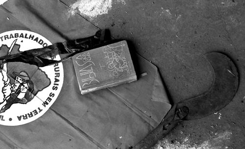 Brasile - Bibbia e falce