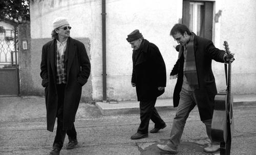 Peter Handke con il partigiano Cid e Renzo Stefanutti a Udine
