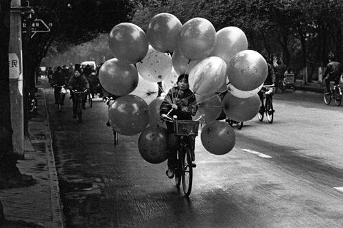 Piccola venditrice di palloncini - Xi'an - Shaanxi