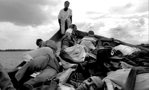 La Negrita Linda la zattera dei desplazados