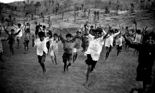 Bambini nel villaggio di Jaalsindhi-Madhya Pradesh
