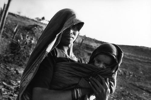 Maternità della Narmada in fuga